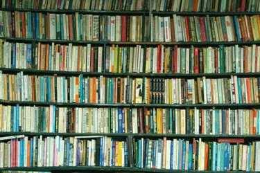 Bookshelvesthumb